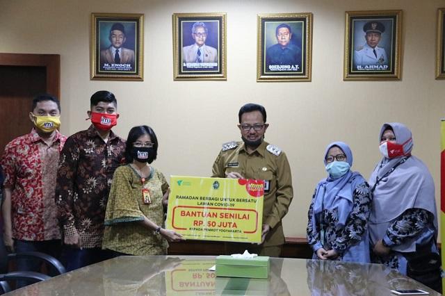 Indosat Ooredoo Salurkan Rp 50 Juta untuk Korban Covid-19