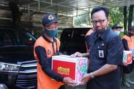 Pasukan Oranye Kota Yogyakarta Terima Bantuan Sembako
