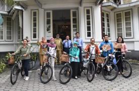 Penyerahan Hadiah Sepeda Untuk Komentar Terbaik WJNC