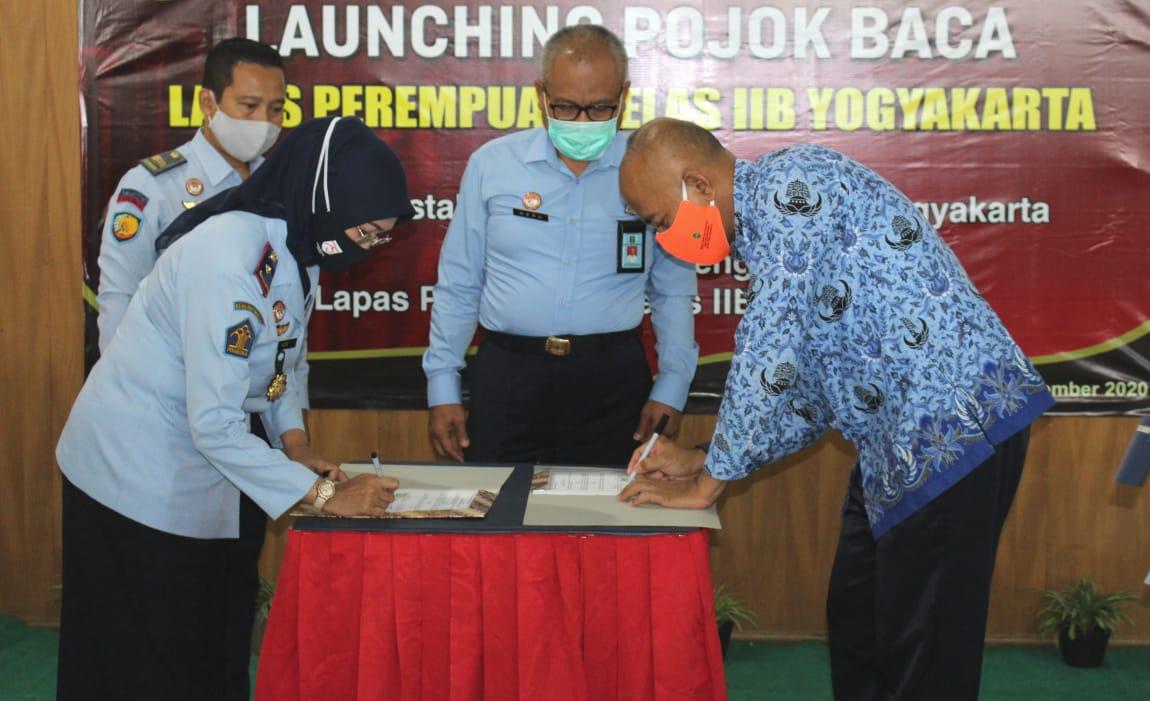 "Pojok Baca ""Cindelaras""  Kini Hadir di Lapas Perempuan Kelas II B Yogyakarta"