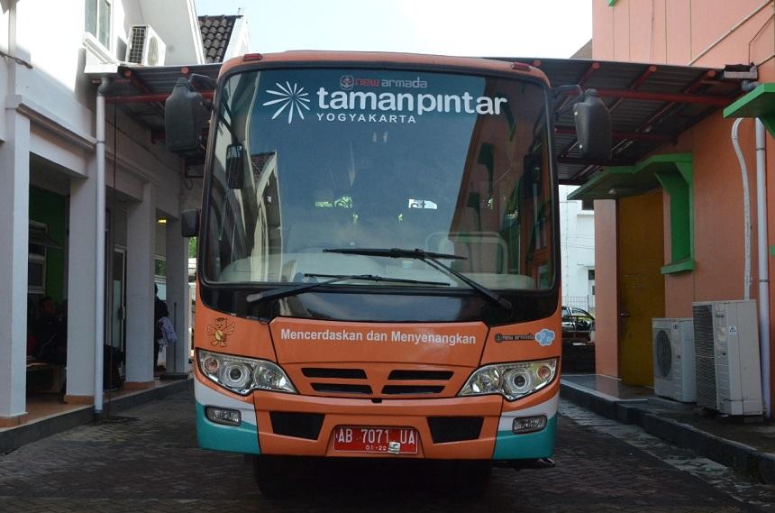 Bus Pintar Mudahkan Wisatawan Kunjungi Taman Pintar Yogyakarta