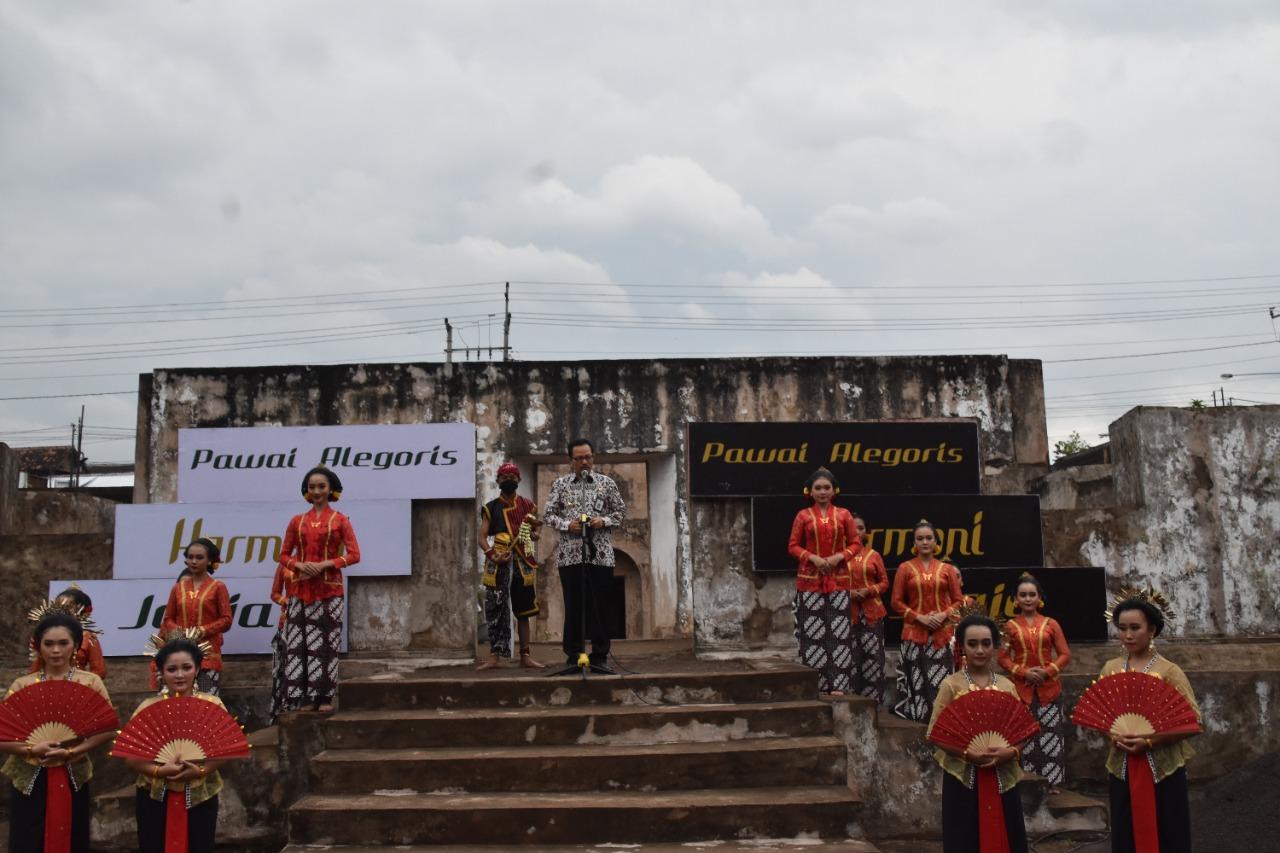 Wawali Tutup Pawai Alegoris 'Heritage in Harmony' di Situs Warungboto